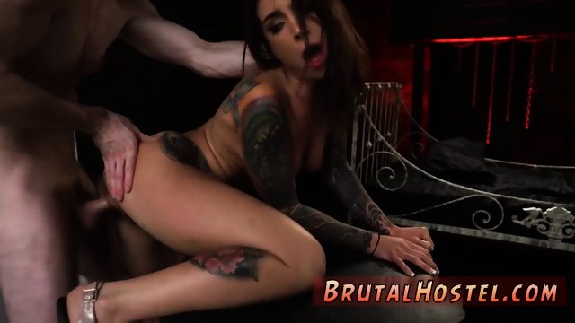 Skin diamond bdsm and jade jordan wakes up xxx Excited young tourists Felicity Feline and