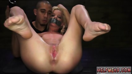 Slave white master xxx Halle Von is in town on vacation with her boycrony.