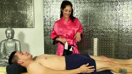 Sensual Massage By Sexy Masseuse - scene 4