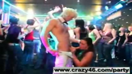 Drunk Girls Suck Strippers Cocks at Party - scene 8