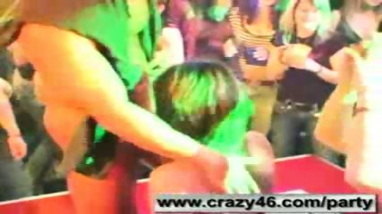 Drunk Girls Suck Strippers Cocks at Party - scene 2