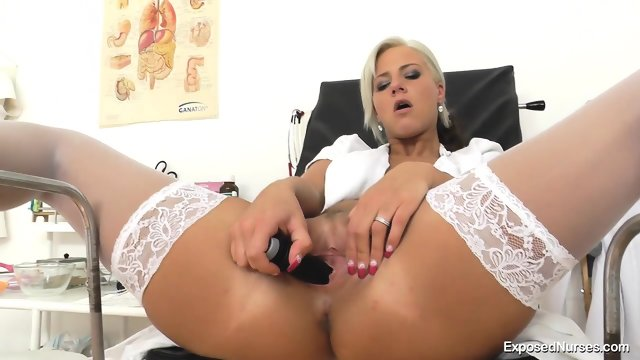 Kinky Nurse's Deep Pussy