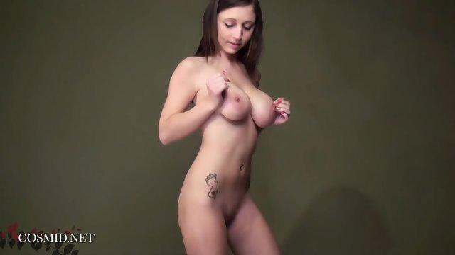 Samantha Has Nice Boobies