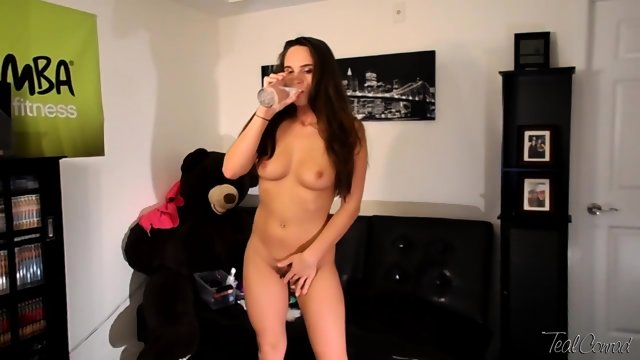 Brunette Masturbates In Front Of Cam