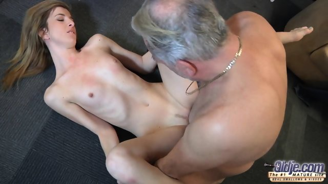 Mature Guy Fucks Attractive Teen