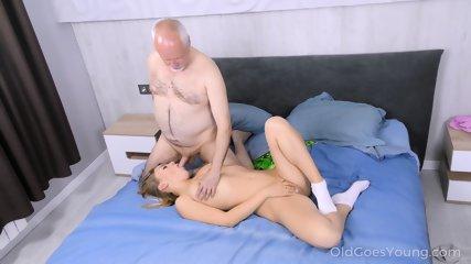 Older Guy Fucks Sweet Girl - scene 7