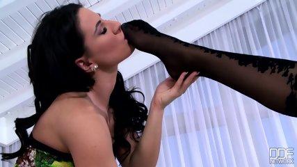 Ladies Who Love Feet - scene 3