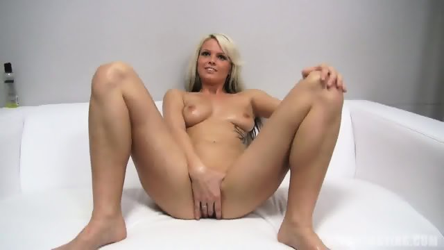 Nice Blonde Shows Her Pussy