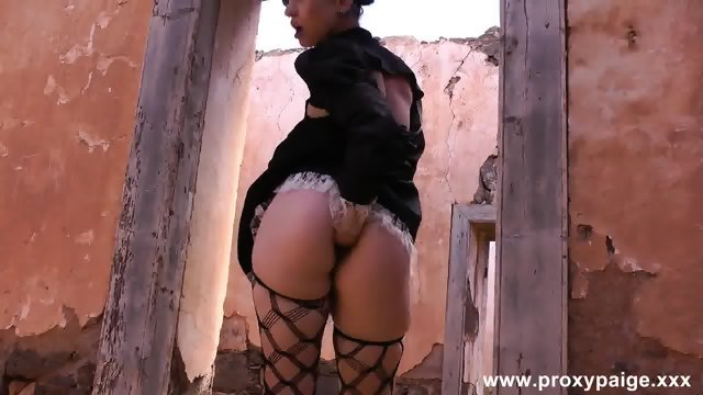 Steampunk Girl Self Anal Fisting In Desert Ruins