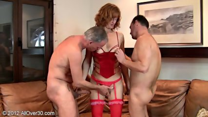 Kinky Mommy Gets Double Fucked
