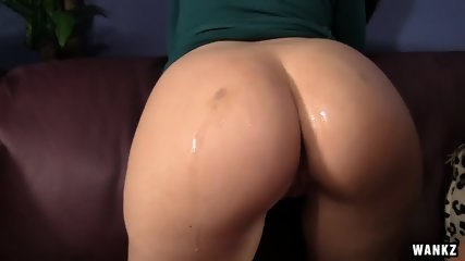 Round Ass Girl Fucked On Leather Couch - scene 2