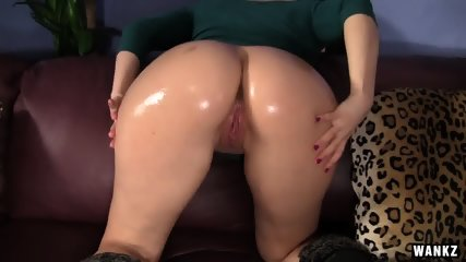 Round Ass Girl Fucked On Leather Couch - scene 3