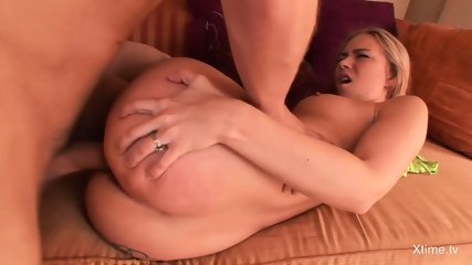 Bubble Butt Blonde Babe Gets Pounded