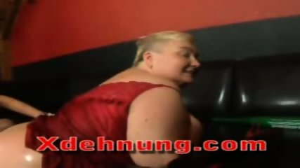 Euro slut deep fisting mature woman - scene 8
