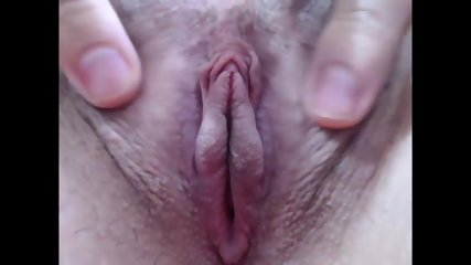 zoomed pink shave pussy