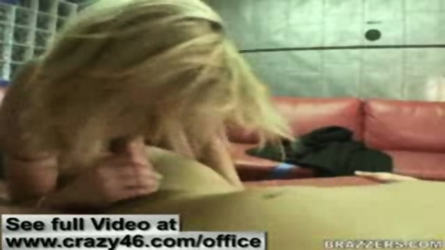 Secretarys fucks with her Boss in Office