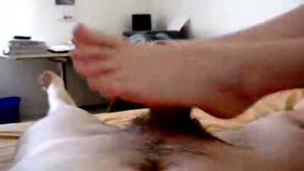 Great amateur footjob - scene 11