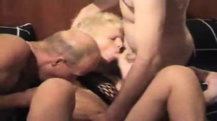German Amateur Slut - Sandwich Sex - scene 1