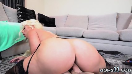 Blonde milf gets anal and jeans Step Mom s New Fuck Toy