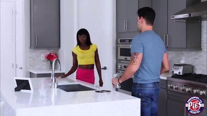 Ana Foxxx gets penetrated in the kitchen with a bigcock