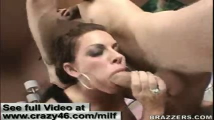 MILF gets a hard cock off the internet chatrooms - scene 11