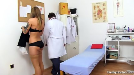 Pretty Lady Needs Gyno Exam - scene 1