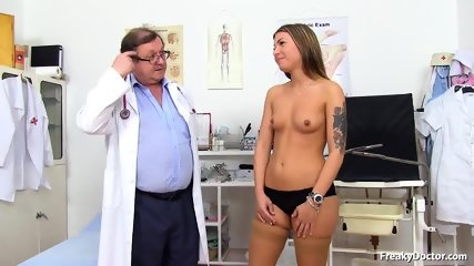 Pretty Lady Needs Gyno Exam - scene 3