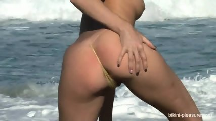 Sexy Babe Naked On The Beach