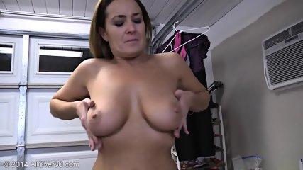 Naked Mommy Shows Her Body - scene 8