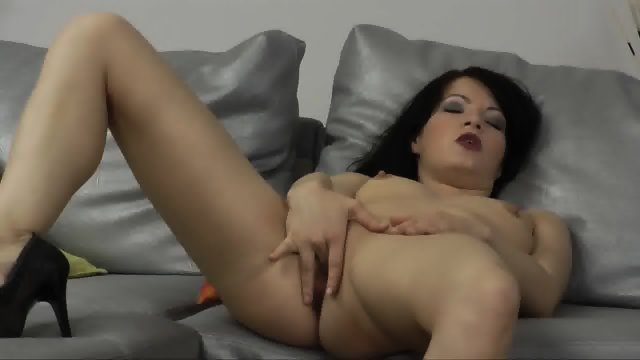 Amateur Lady Takes Cock In Ass