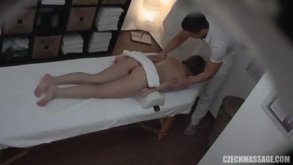 Deep Internal Massage For Amateur Babe - scene 2