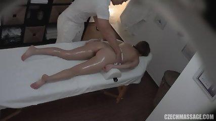 Deep Internal Massage For Amateur Babe - scene 3