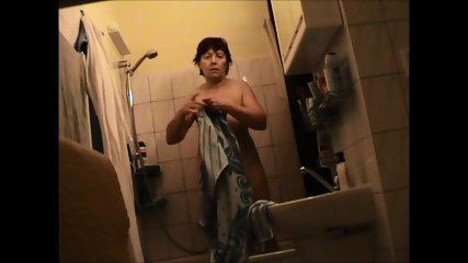 German Granny Nude In Bathroom - scene 4