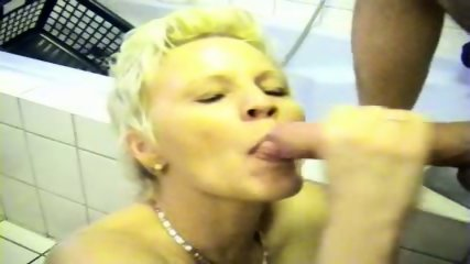German Amateur Whore in Bath - scene 12