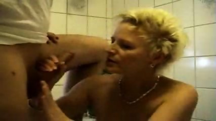 German Amateur Whore in Bath - scene 4