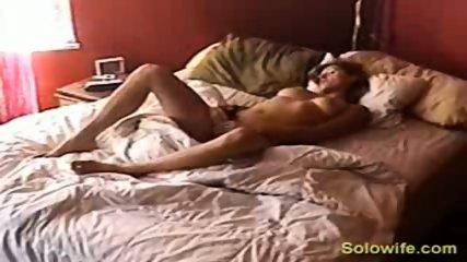 Hidden camera pussy rub - scene 3