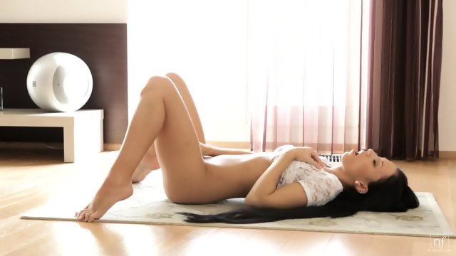 Charming Babe In Solo Action