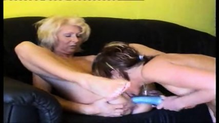 German lesbians alone at home - scene 2