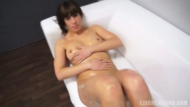 Amateur Lady Gets Naked