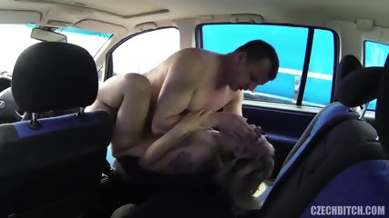 Hardcore Sex In The Car With European Slut - scene 5
