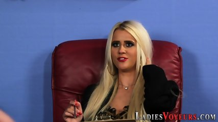 Kinky blonde watches guy