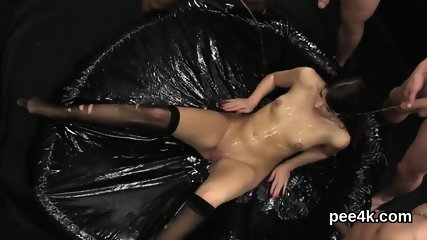 Striking model gets her tight twat complete of warm pee and ejaculates