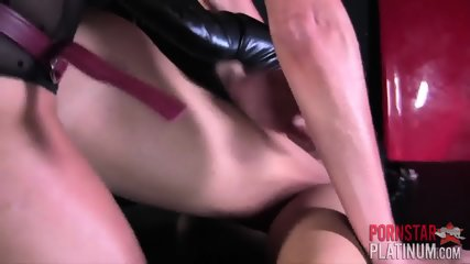 Huge Titty Ladies Have Kinky Fun With Each Other - scene 10