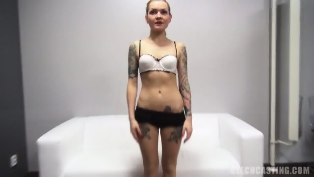 Tattooed Amateur Shows Her Attractive Body