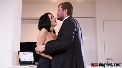 Squirting Euro MILF Assfucked From Behind - scene 3