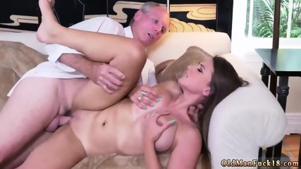 Very old man Ivy impresses with her massive hooters and ass