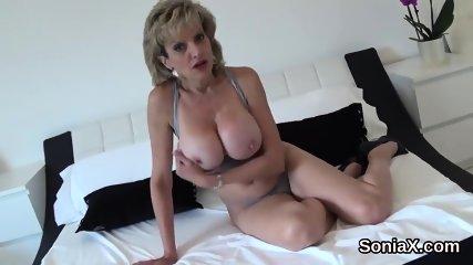 Unfaithful british mature lady sonia displays her big knockers