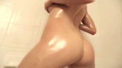 Tight blonde shows amazing body - scene 2