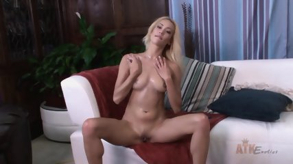 Solo Action By Hot Blonde Lady