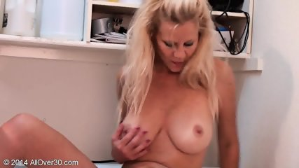Sexy Mommy Shows Her Tits And Pussy - scene 5
